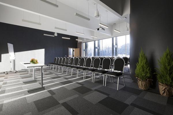 Balti Jaama armas ja kodune seminariruum