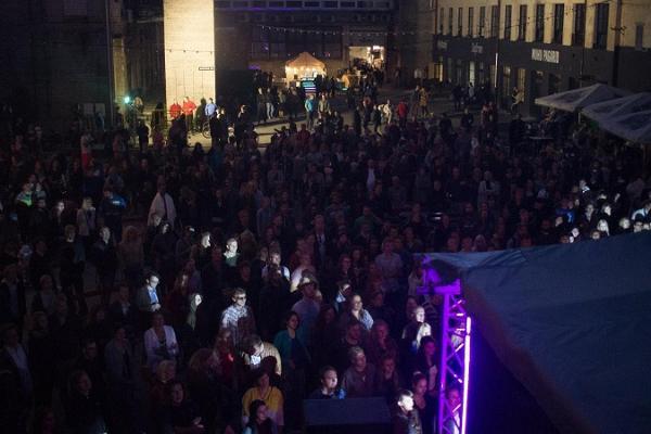 Müürilille flea market at Aparaaditehas Creative City takes place every year