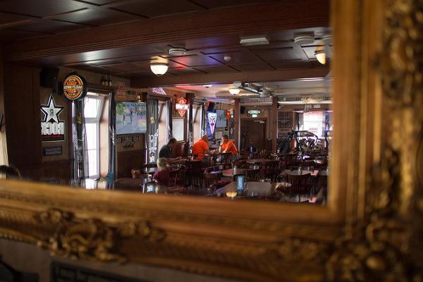 Alexandri Pub