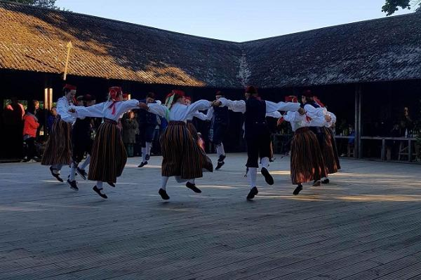 Ranna Recreation Centre, folk dancers on the big stage