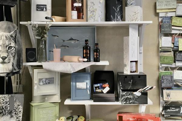 Vaas&Vaas avoitu studio - puinen kodinsisustus ja lahjat