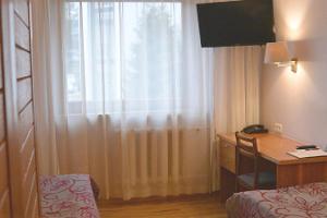 "Hotel ""Pesa"" (dt. ""Nest"")"