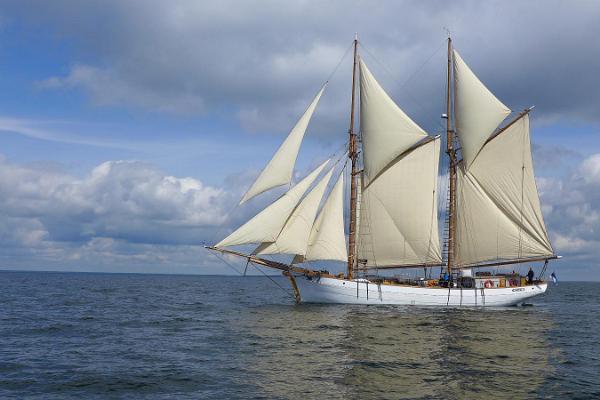 Kaljas Hoppet: Suwitajate purjelaewareisid Abruka saarele