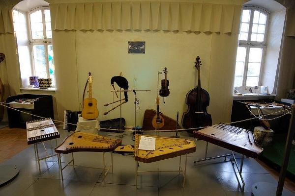 Musical Instruments Museum, musical instruments