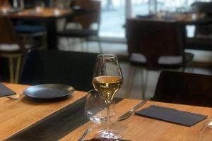 Vīna restorāns R14