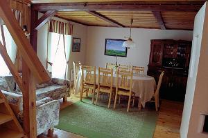 Tabina Holiday House