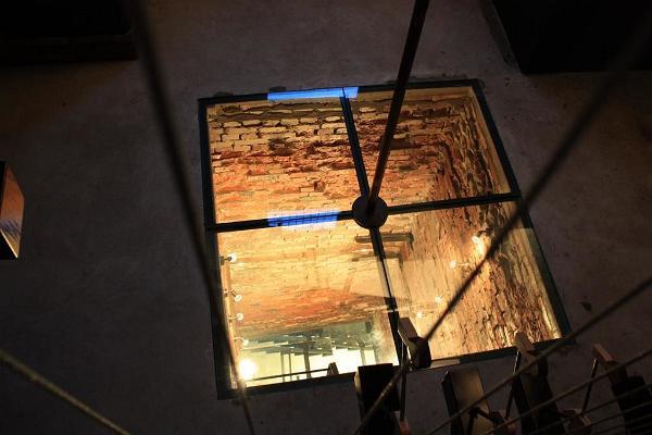 Lasvan vesitornin galleria