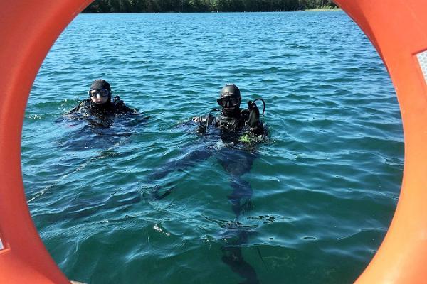 Diving at Lake Rummu