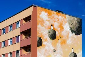 Navitrolla maalid Võru linna korrusmajadel
