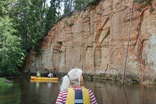 Поход на каноэ по реке Ахья!