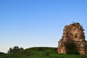 Kirumpē pils drupas