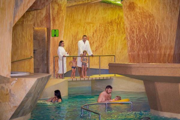 """Wasser- und Saunazentrum """"Viiking Saaga"""" im Rehabilitationszentrum Viiking"""