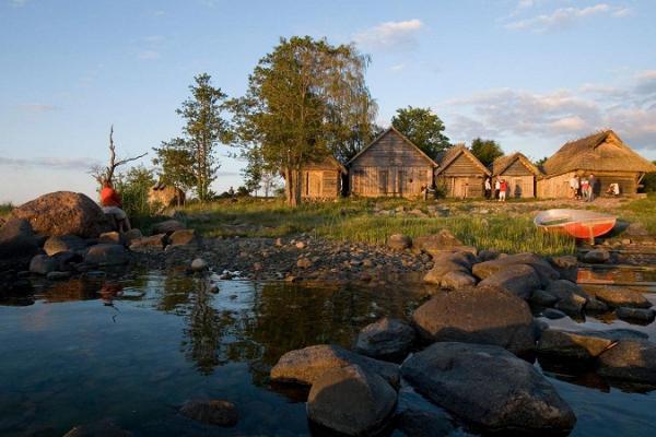 Tagestour Lahemaa Nationalpark – Moorwanderung, Küste, Taiga, Herrenhäuser und Fischerdörfer