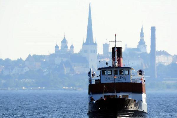 """Sunlines Tallinna lahe huvireis aurikuga """"Katharina"""""""