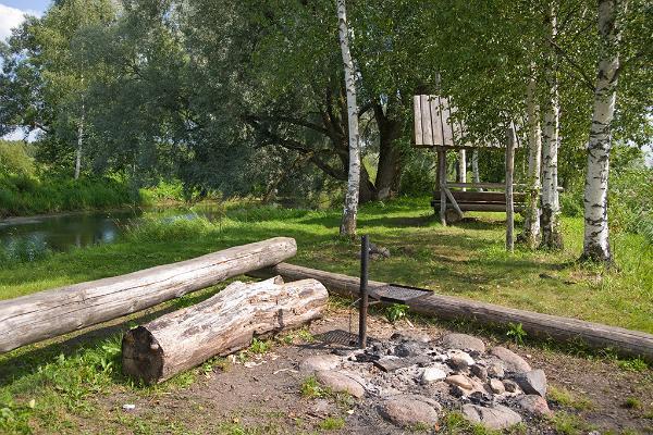 Vogelzug-Wanderpfad und die Feuerstelle Lagle
