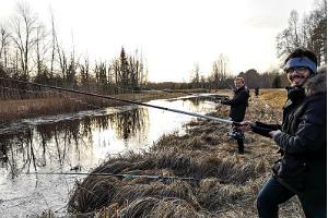 Makšķerēšana uz Paunkilas meža ezeros