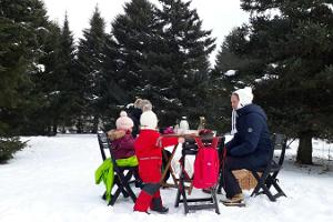 Tutustuminen Jägalan putouksiin piknikillä