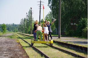 Museum von Mõisaküla und eine Fahrt mit der Draisine