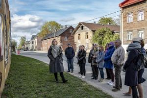 Street Art and History Tour in Karlova