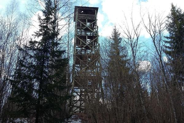 Lake Viti hiking trail and observation tower
