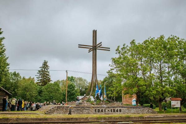 Kyyditettyjen muistomerkki Ristissä