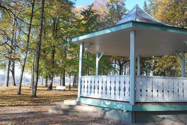 Kreutzwaldi mälestussammas ja park Tamula kaldal