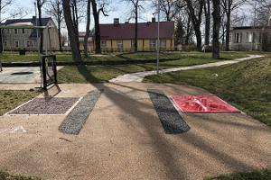 Hāpsalu neiroloģiskās rehabilitācijas centra aktivitāšu parks, piekļuve ar ratiņkrēslu
