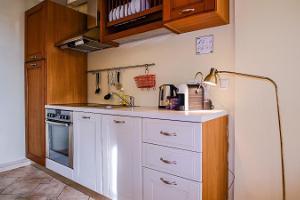 Dream Stay Apartments - saunallinen asunto näkymällä Raatihuoneentorilla