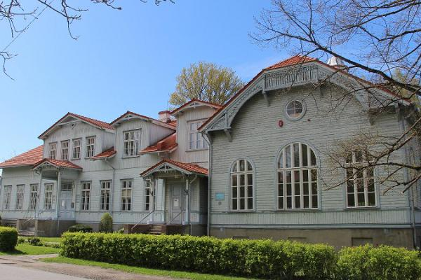 Raeküla Gammelskolans centrum