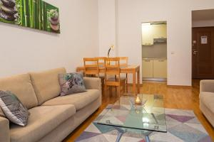 Dream Stay Apartments - Raatihuoneentorin asunto saunalla