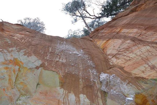 Стены Сыятаре и пещера Уку
