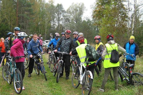 Fahrradtour auf Erumäe und ins Urtal Kavilda