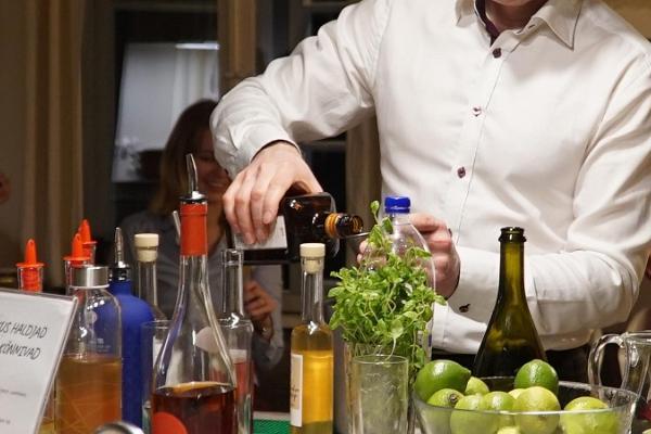 Cocktail training at Tänava Farm