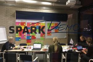 SPARK Demo - liiketoiminnan demo- ja tapahtumakeskuksen kokoustila