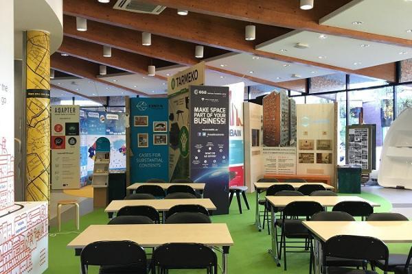 Salen för genomförandet av en workshop i SPARK Demo – ett demo- och evenemangscenter för företag