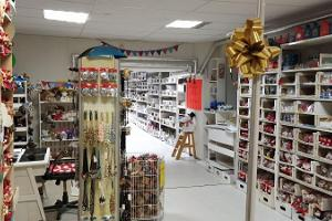Souvenir and craft shop Meened