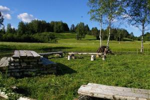 Die Gesundheitspfade von Hiiemäe im Dorf Paluküla im Landkreis Raplamaa