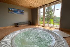 Kuutsemäe Holiday Resort (jaquzzi-bath)