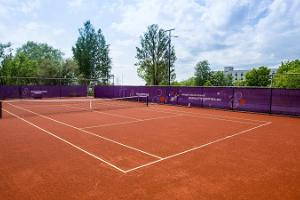 MyGames contactless tennis court