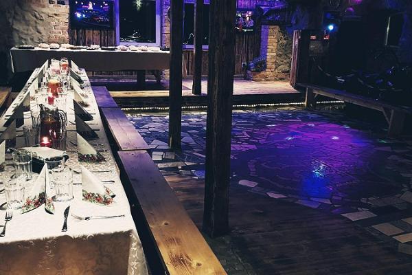 Party hall at Äksi Moto Ranch and disco lights