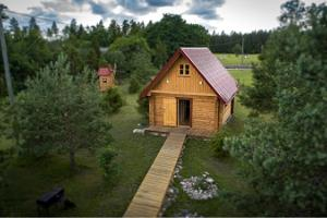 Hiievälja saunas: smoke sauna, barrel sauna, and steam sauna