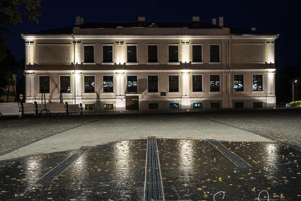 Võru gümnaasiumi hoone - Võru linna vanim maja