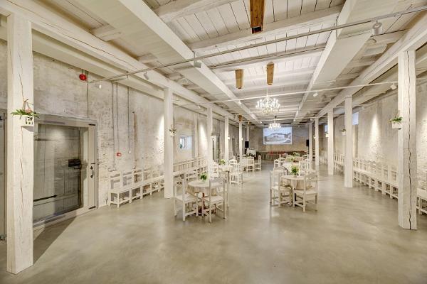 Anija mõisa ait-sündmuskeskuse peosaal, seminariruum