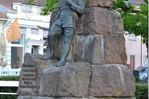 Monumentet av öselbor stupade I Frihetskriget