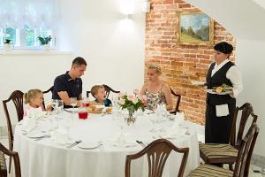 Saka Cliff Hotel, das Restaurant
