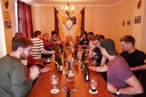 Ein angenehmer Zeitvertreib für einen Freundeskreis, ein Team oder die Gäste eines Geburtstags