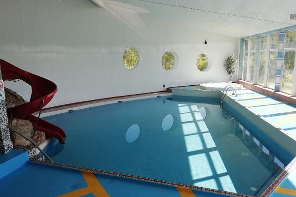 Hotelli Laagnan uima-allasalue, suurempi allas