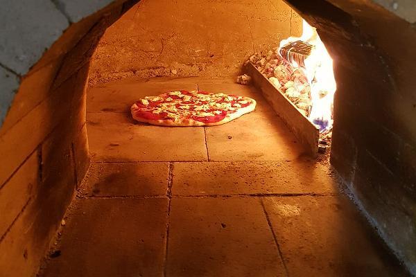 Pizzakahvila Amps ja Lonks