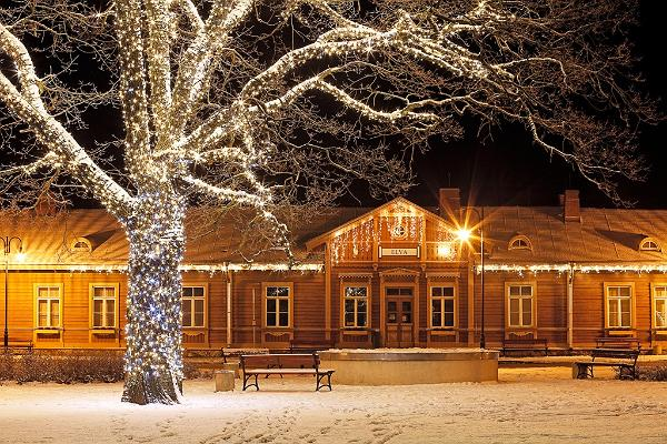 Talvine Elva jaamahoone