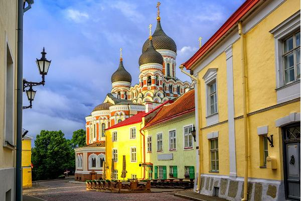 Tallinn Private Legends Tour & Medieval Feast